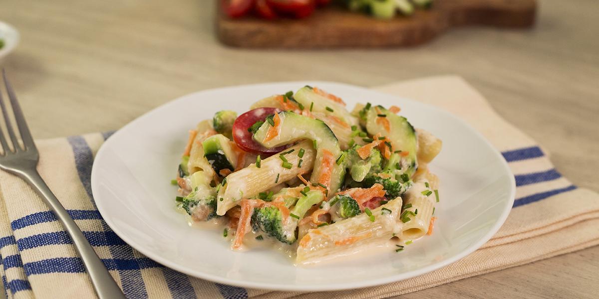 Ensalada de vegetales y pasta